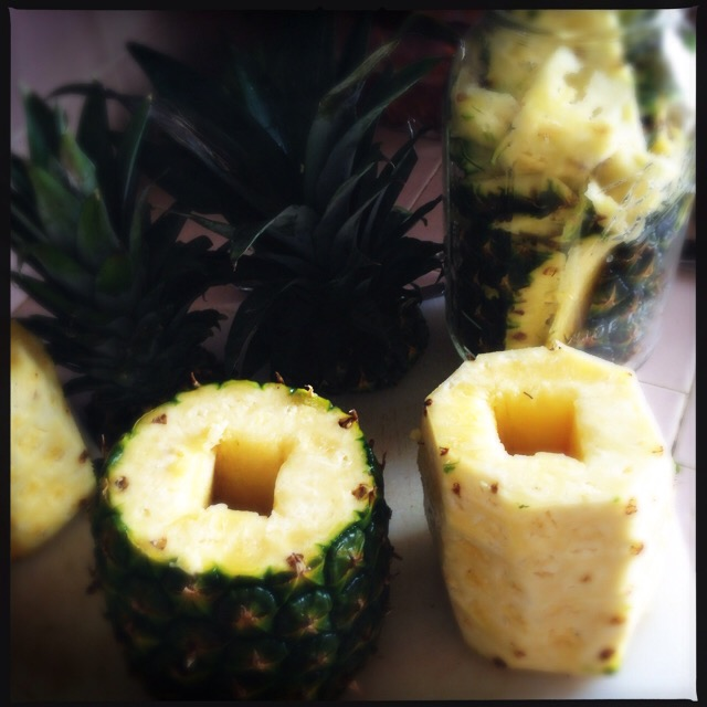 pineapple staging